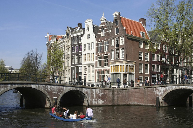 photo2-netherlands-one-group